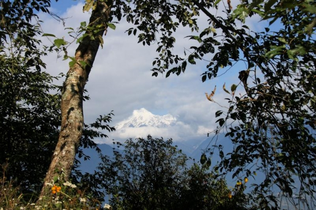 Kachendzonga flirtant avec les nuages